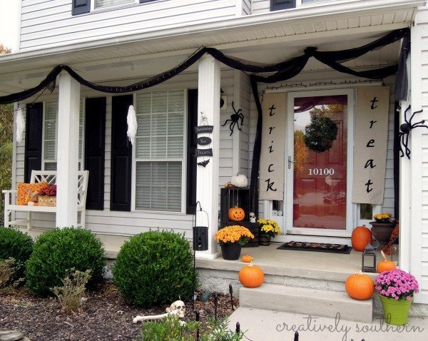 Decorating Ideas > DIY Halloween Banner And Porch Decorating Ideas ~ 023923_Halloween Decorating Ideas Porch