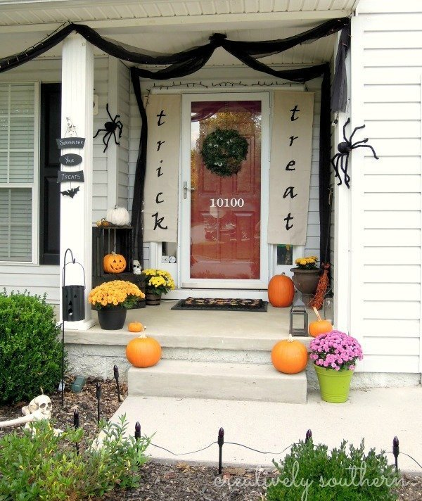 DIY Halloween Banner And Porch Decorating Ideas