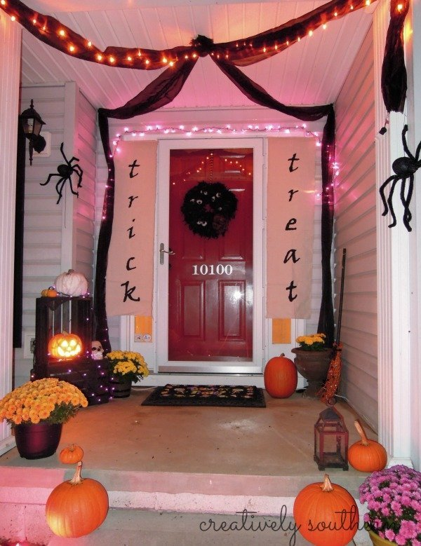 DIY Halloween Banner and Porch Decorating