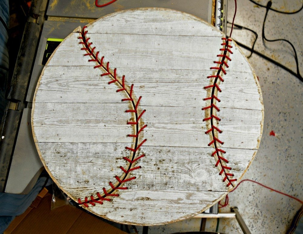 Barnwood_baseball_laces