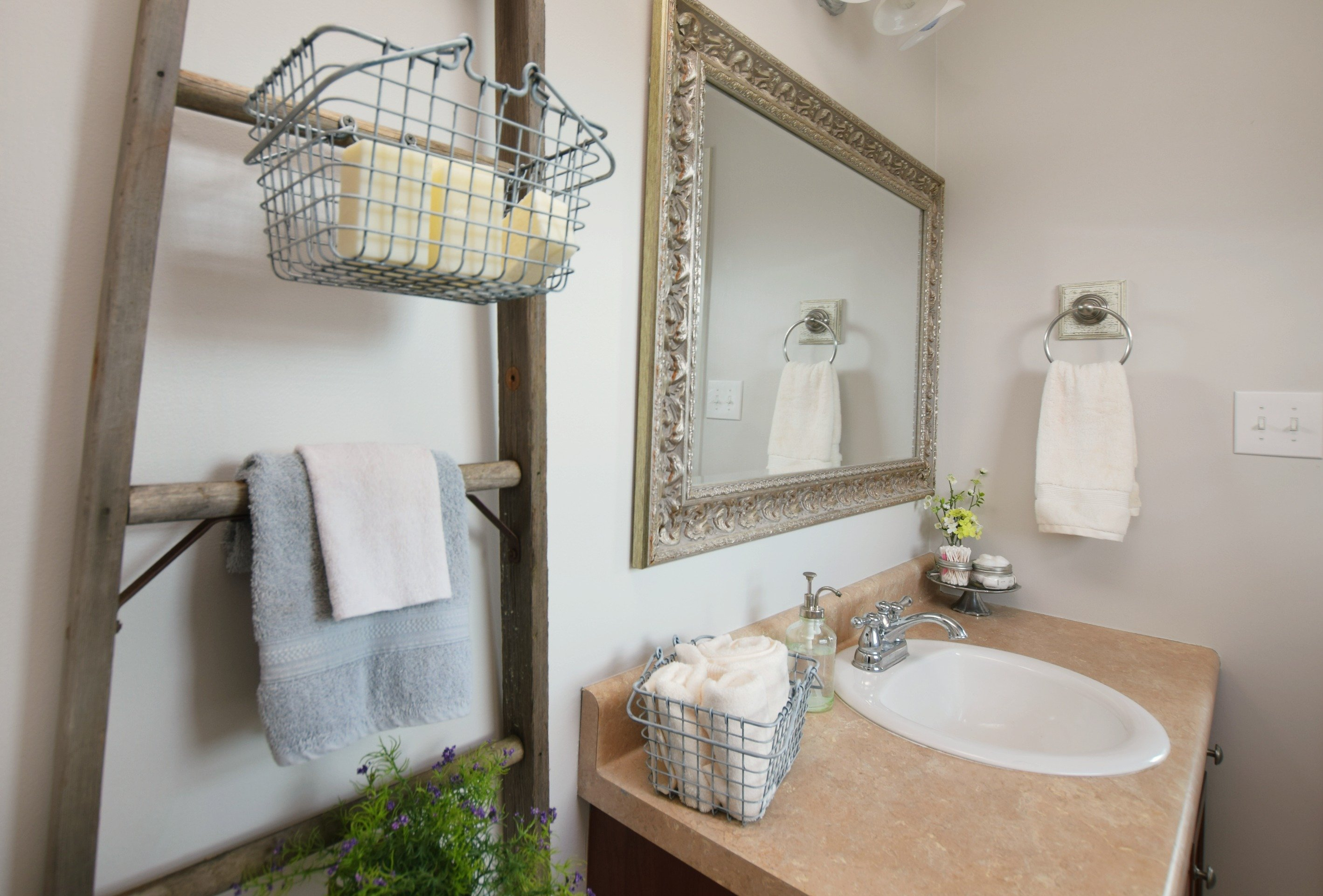 Repurposed Rustic Ladders And Diy Farmhouse Storage Creatively Southern